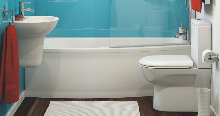 Baderom med fokus på badekar