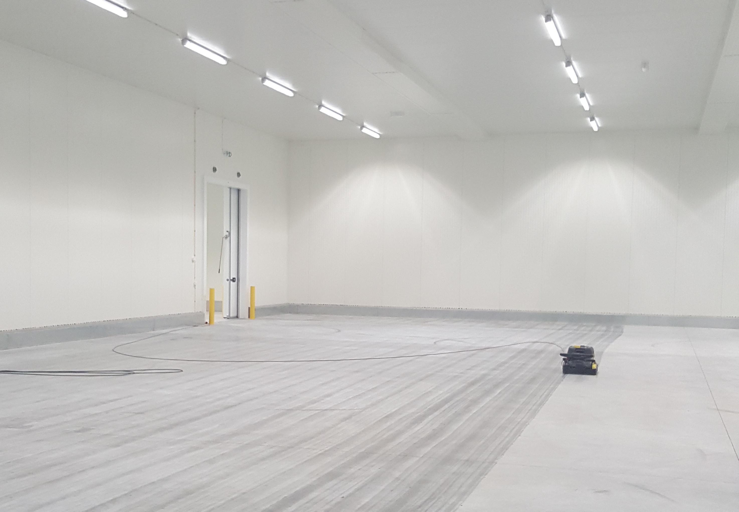 kuring av gulv i lager
